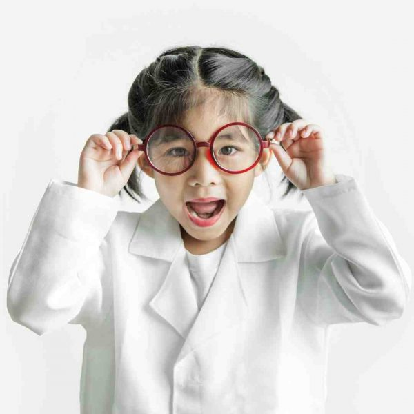 Child dressed as a scientist at a kids science party in Melbourne