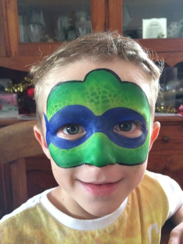 Boy with TMNT face paint