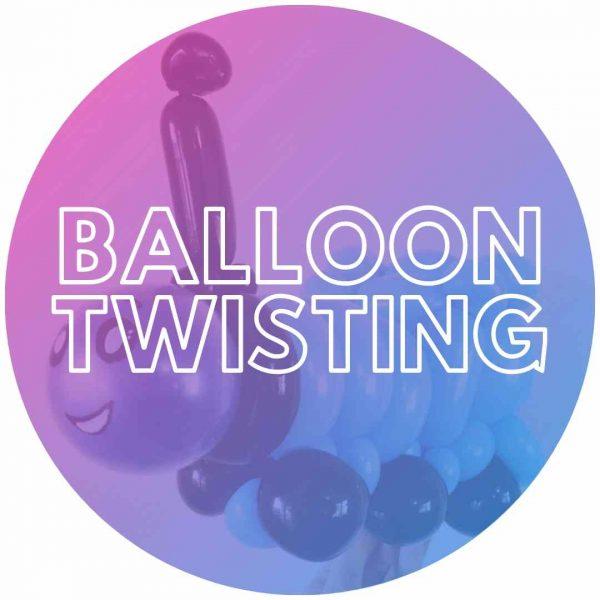 Thomas the Tank balloon twisting design for a party